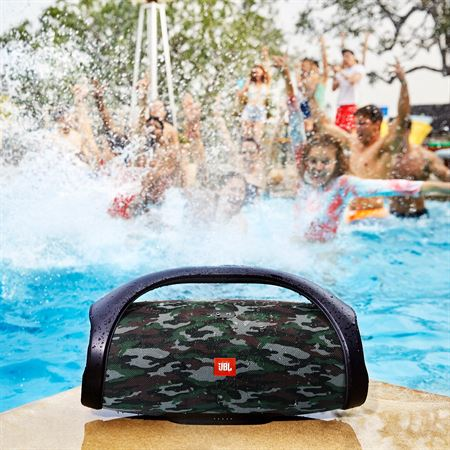 jbl_boombox-product_pool_-squad-1957_final.jpg